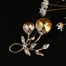 Bianco di modo punta a punta spilla cravatta dono squisito spilla corona Imperiale Pendenti e Ciondoli Completa di Cristallo Dei Monili di cerimonia nuziale del partito(China)