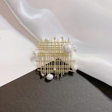 Aomu 2019 Della Corea di Modo di Figura Del Cuore Del Metallo Spille Barocco Imitazione Della Perla Delle Donne Spilla Accessori Dei Monili Del Partito Del Vestito(China)