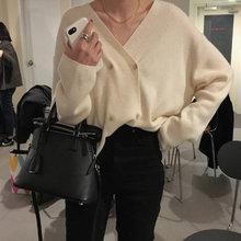 여자의 v-목 스웨터 솔리드 가디건 더블 브레스트 뜨개질 버튼 한국어 스타일 숙녀 정상 2020 봄 여성 스웨터(China)