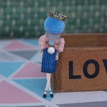 Disegni di alta Qualità retro badge Spille di Moda per Donna cappello di lana badge Spilla Spilli su zaino della ragazza regali Della Decorazione del Panno(China)