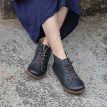 Delle donne di inverno stivali di cuoio genuini della caviglia casuale Stivali Confortevoli, di qualità fatto a mano morbida Scarpe basse blu nero stivali inverno 2019(China)