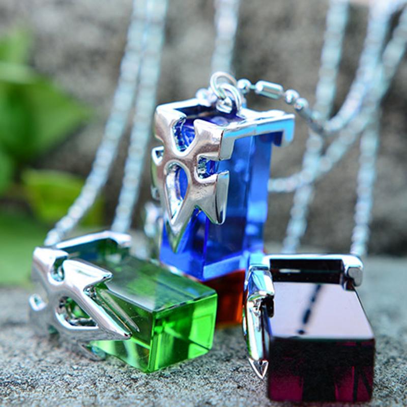 Sword Art Online SAO Kirito Yuki Asuna Crystal Figure Necklace Pendant Chain Collection Transfer Crystal Cosplay Costume Charms(China (Mainland))
