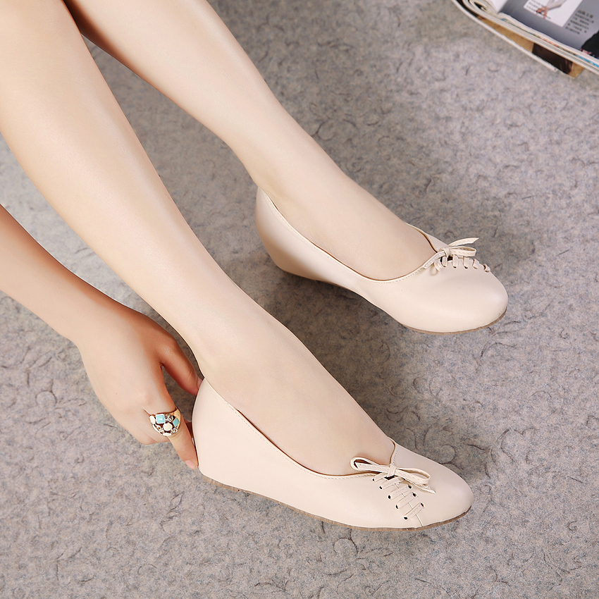 In the new fall fashion 2015 Korean version of casual flat shoes increased slope with shallow mouth sweet single shoes 812-6(China (Mainland))