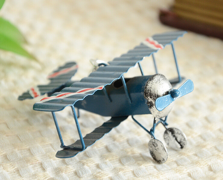Vintage Toys Airplane Model Metal Iron Handcraft Plane Aircraft Home Wedding Decoration Car Styling Handicraft(China (Mainland))