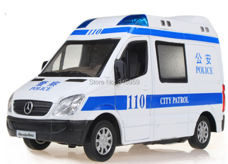 New city patrol police/ambulance car model 1:32 Alloy diecast car model with sound flashing alarm light collections toy vehicels(China (Mainland))