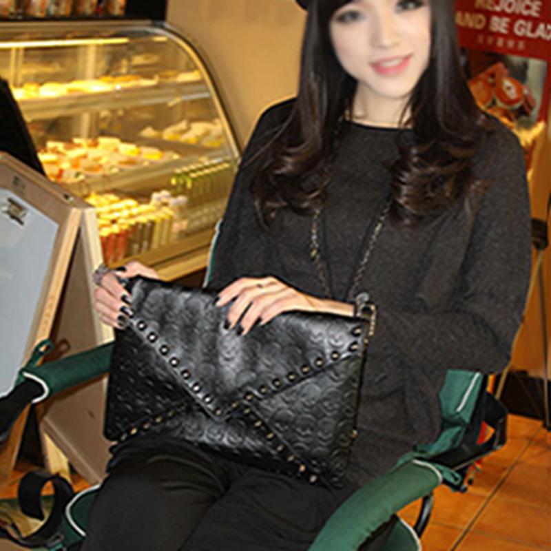 Гаджет  Punk Skull Spike Envelope Woman Lady Leather Clutch Handbag Bag Black free Shipping None Камера и Сумки