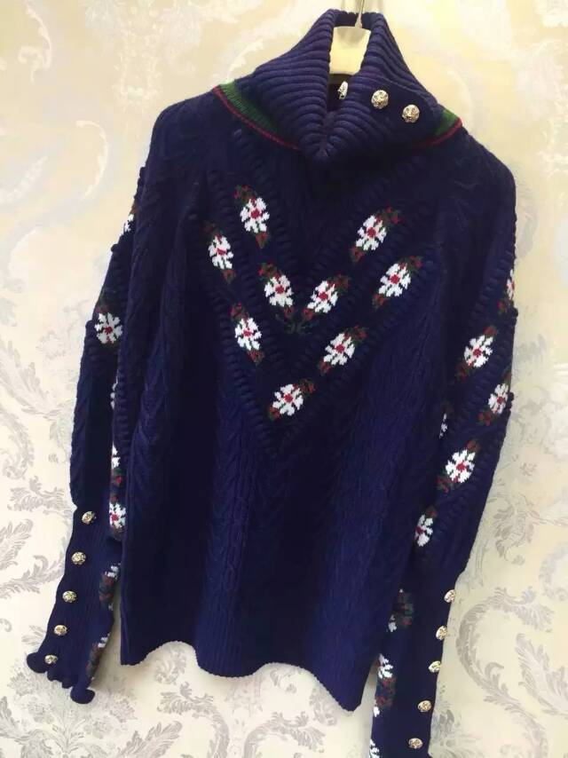 Women Luxury Pullovers Sweater 2015 Runway Sweaters Women Button up collar Jumper with Flowers Embroidery Long sleeved buttons(China (Mainland))