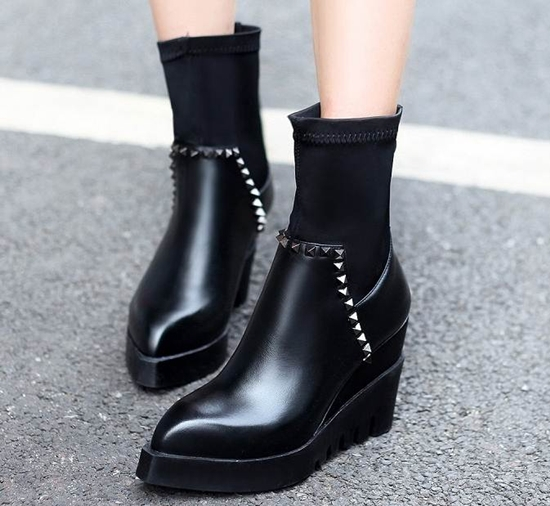 Rivets women Pointed fashion personality Toe Full Grain Soft Leather Wedges leisure shoes high heel Sexy Black Ankle Boots(China (Mainland))