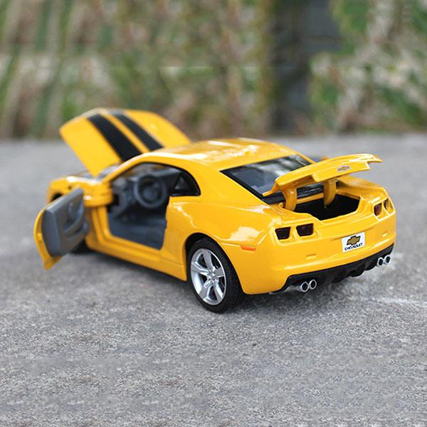 1:32 Diecast Alloy Automotive Mannequin Children Kids Toys Sound&Mild Car Current Reward Colletion Delivery