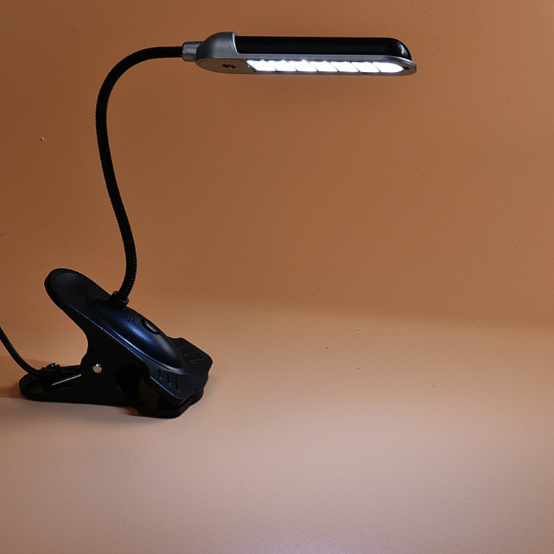 Hot selling New Flexible 7 LED Desk USB Lamp Light With Clip For PC Laptop Notebook