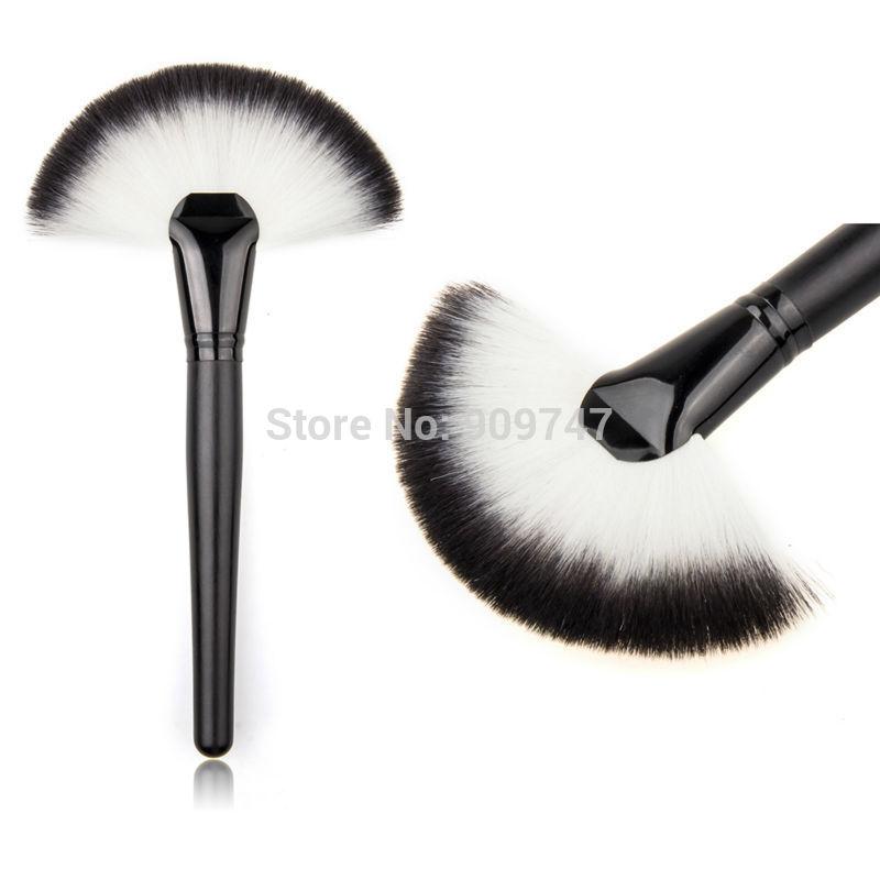 Soft Makeup Large Fan Brush Blush Powder Foundation Make Up Tool big fan Cosmetics brushes(China (Mainland))
