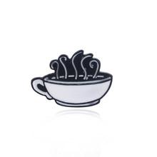 Americano TV show Amici Distintivo Spilla Central Perk Coffee Time Del Pendente Dello Smalto di Spilli Spille Regalo Dei Monili Delle Donne Degli Uomini di Risvolto Spille(China)