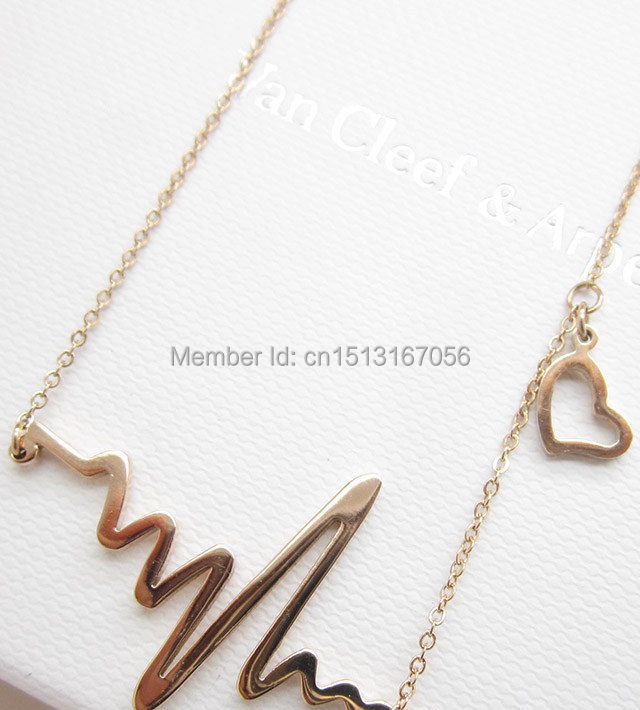 Korean fashion short paragraph clavicle chain necklace new frequency waves rose gold color gold just for you heart necklace free(China (Mainland))