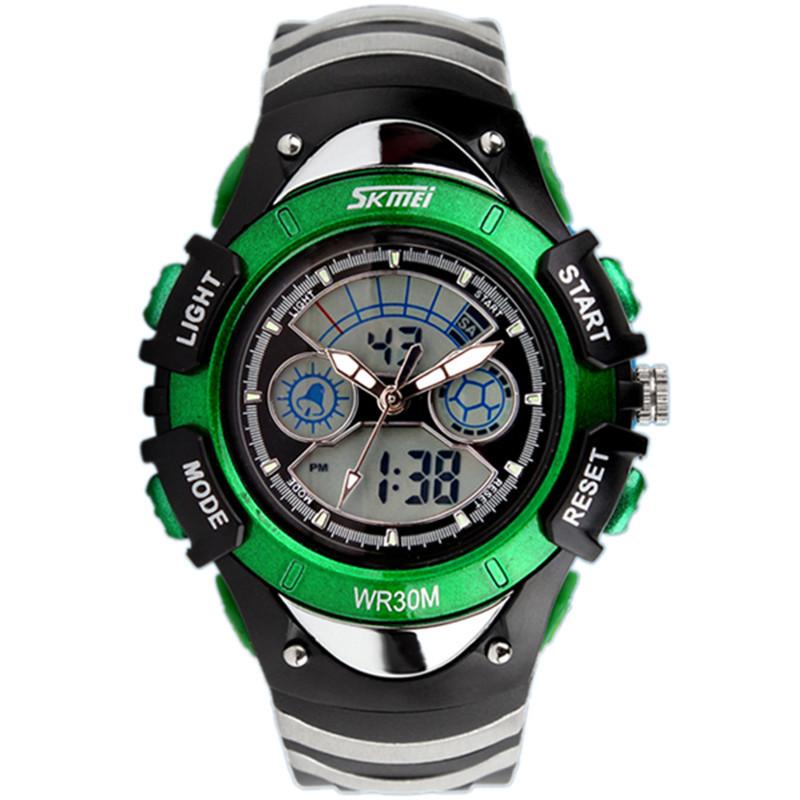 Для тинейджеров, с удовольствием познающих новинки электроники, умные часы будут приятным подарком.