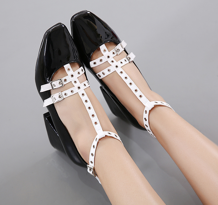 2017 New Square head Rivets high heels fashion ladies belt buckle ankle strap heels pumps Comfortable Thick heel women shoes