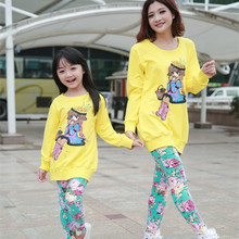 2016 Brand Matching Mon And Daughter Print Flower Clothing Set Long Sleeve Cartoon T-Shirt+Flower Pants Family Clothing Set(China (Mainland))