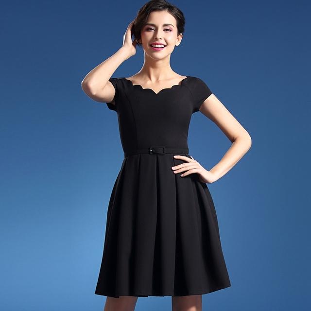Черные платья до колен с короткими рукавами