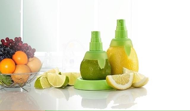 Creative 2pcs/lot creative gifts fruit spray tool juice juicer lemon sprayer kitchen tools Free shipping
