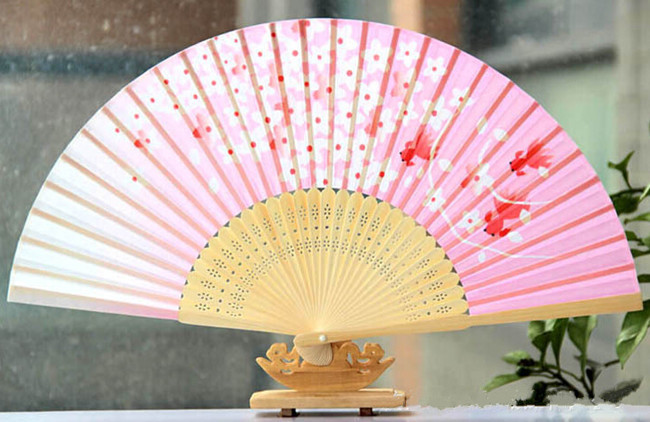 Delicate 21cm chinese bamboo silk hand fan folding craft fan for ladies and gift(China (Mainland))