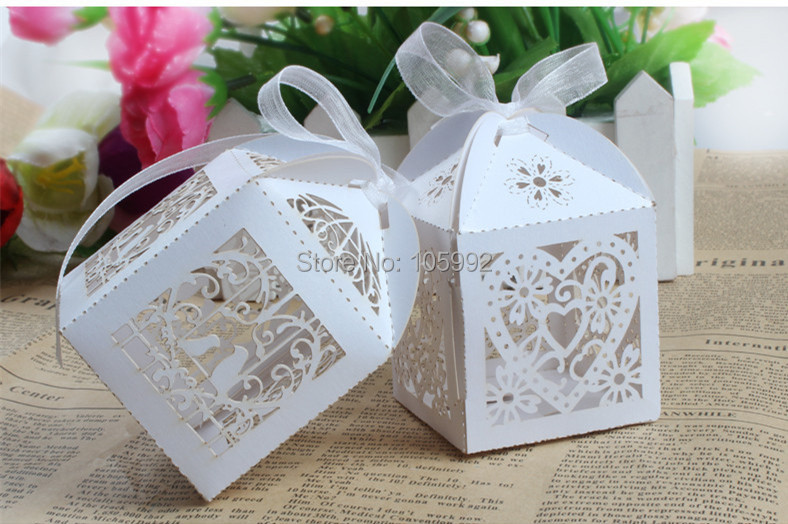 2015 New 120PCS Love Heart Laser Cut Candy Gift Boxes With Ribbon Wedding Party Favor Creative Favor Bags(have white ribbon)
