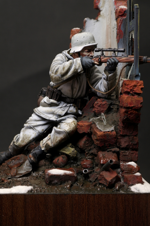 Free Shipping 120MM Resin Figure WWII German Winter Sniper(China (Mainland))