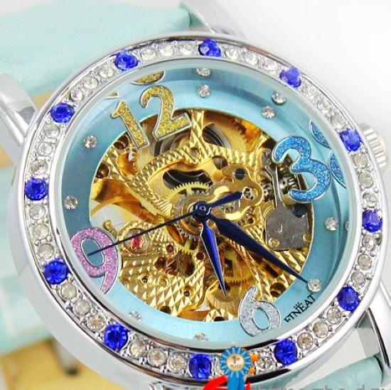 New 2015 women rhinestone dress watches wristwatches fashion Style design vintage ladies women Mechanical bracelet watch(China (Mainland))