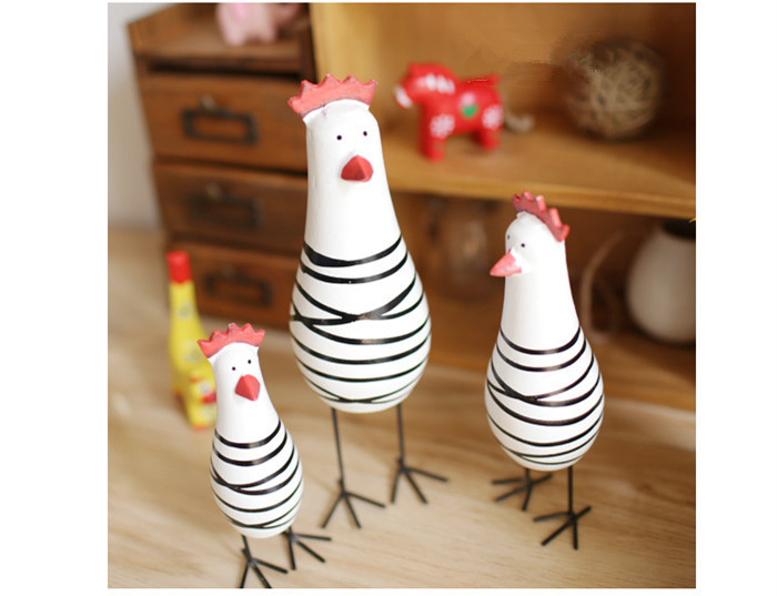3pcs/set Good quality Refined Scandinavian style home three sets of animal chicken craft hand-carved ornaments