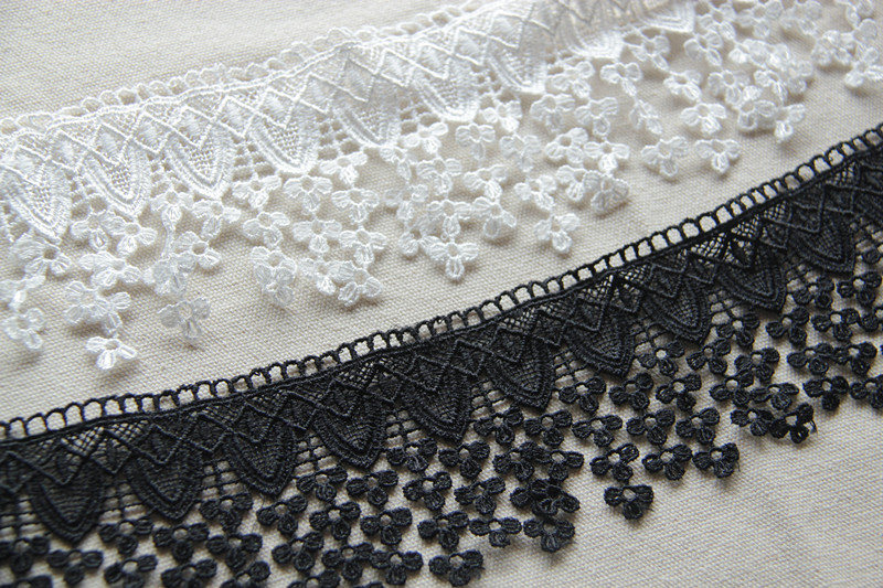 10Yards Polyester White Black Delicate Llittle Flower Fringe Lace Trims For Sewing Craft(China (Mainland))