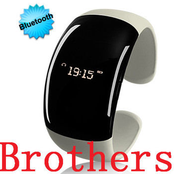 Bluetooth Fashion Bracelet with Time Display Pearl White