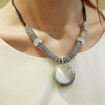 Vintage Collier Opal Statement Necklaces