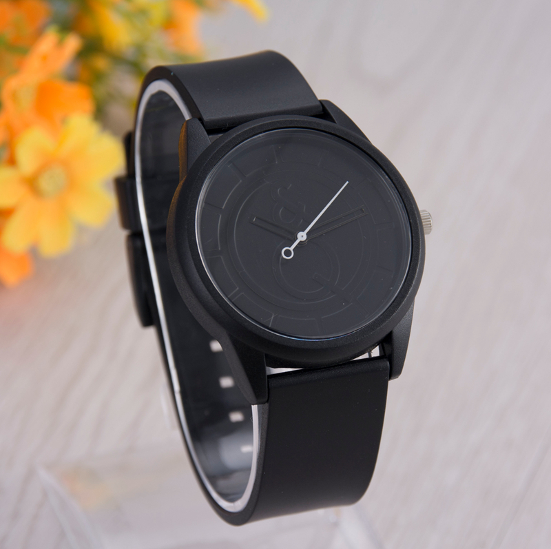 The new silicone jelly quartz watch, brand watches. Couple watches, casual fashion for men, women watches, luxury gift table.