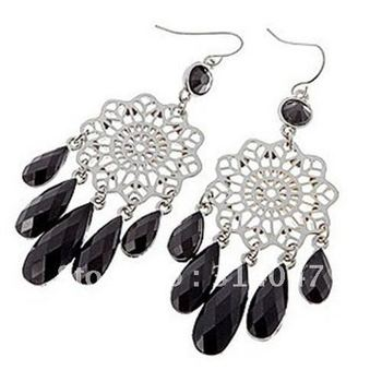 Small chili luxurious black gem hollow pattern fashion earrings  sp138