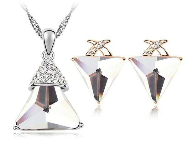 White Crystal Triangle Necklace Earrings Jewelry Set Pyramid Design Cheap Jewellery Made With Genuine Swarovski Elements Bijoux(China (Mainland))
