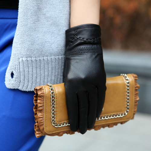 Free shipping 2015100% hot leather fashion women's leather and dotted line leather gloves Leather Ladies color size single code(China (Mainland))