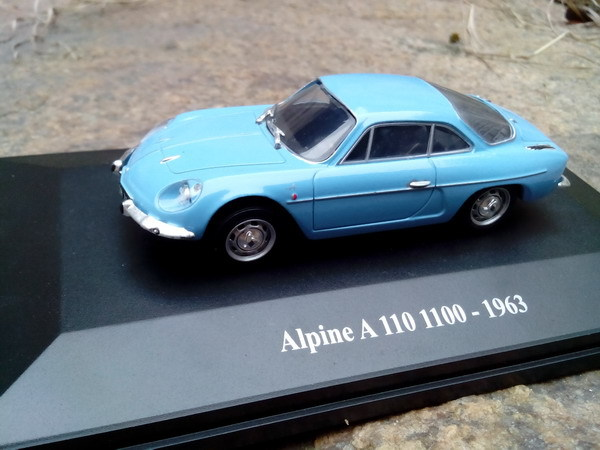 New France E Blue1:43 ALPINE A110 1963 Renault Metal Car Model Classic Toys Collection(China (Mainland))