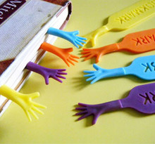 4 pcs/lot 'Help Me' Colorful Bookmarks set plastic novelty Item creative gift for kids chidren free shipping 631(China (Mainland))