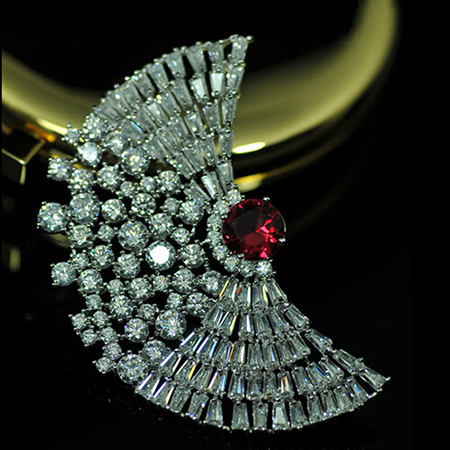 Luxe VOGUESS Jewelry New Rhinestones Red Cz Wings Brooches Pins For Women Excellent Wedding Dress Jewelry Accessories(China (Mainland))