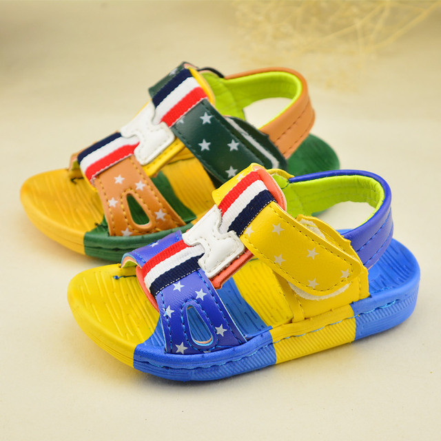 2016 новые туфли мода водонепроницаемый сандалии мальчиков девушки детей сандалии квартиры кроссовки открытым носком туфли красный-зеленый-синий 13 см - 15 см