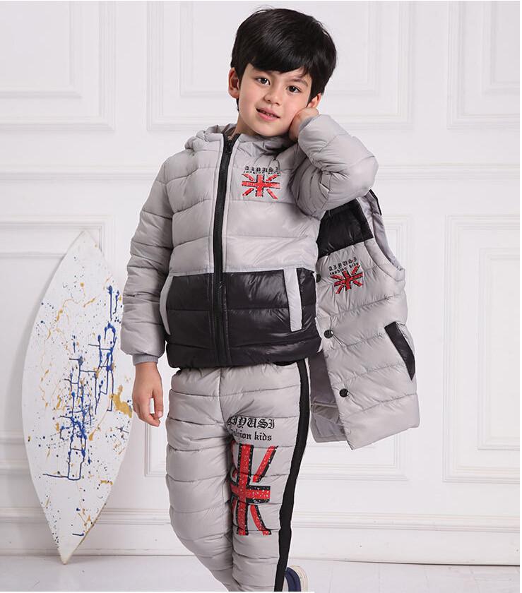 Скидки на Новые Зимние дети мальчики и девочки пуховик наборы с капюшоном пальто + жилет + брюки белая утка мягкий письмо теплый дети зимний костюм