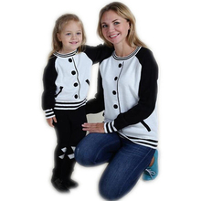 Family Matching Clothes 2017 Cotton Hoodies For Mon Daughter Family Clothing Mother Me Baby Outfits Autumn Family Look(China (Mainland))
