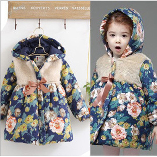 2014 Зимнее пальто Цветочная печатая мода Новая теплая одежда Цветочные прекрасные одежды свободного покроя для детей Толстая куртка с капюшном