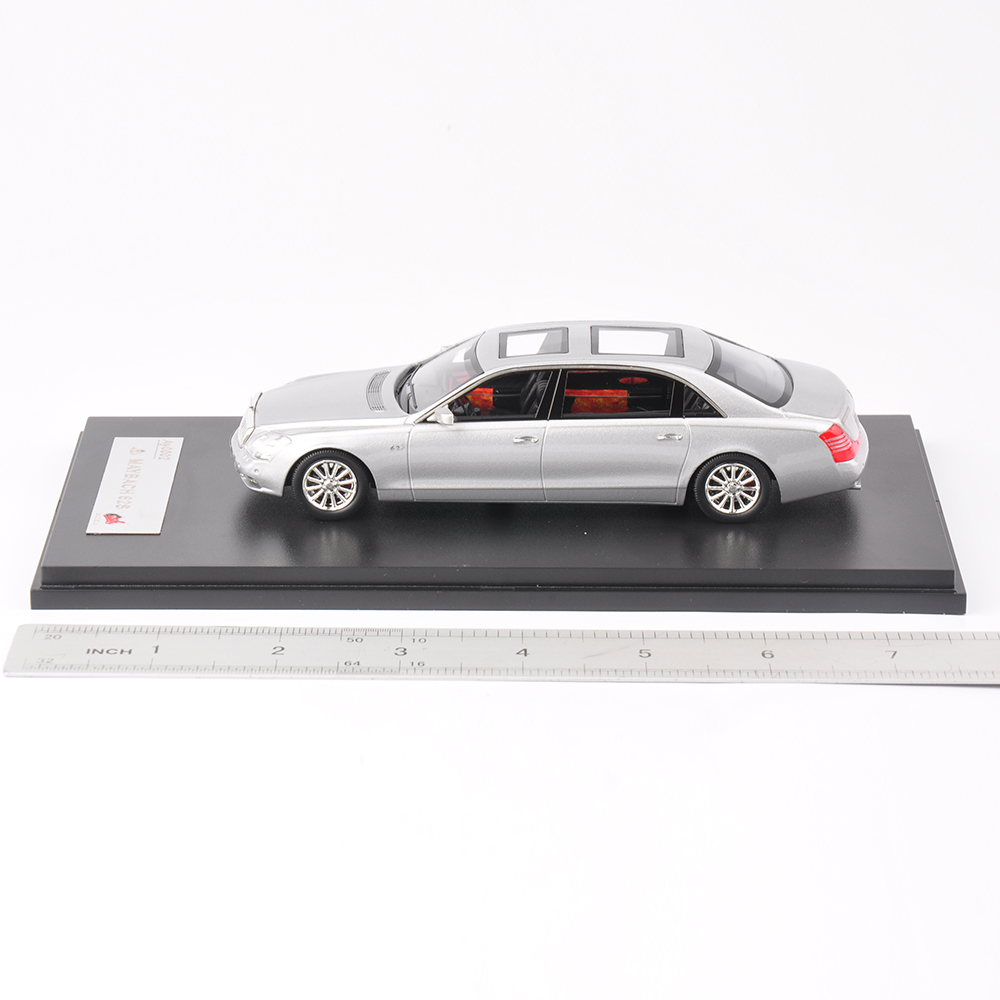 Collectible Premium X 1/43 white Maybach 62S 1:43 Scale Model Diecast Car Kids Toys Brinquedos Decoration Gift(China (Mainland))