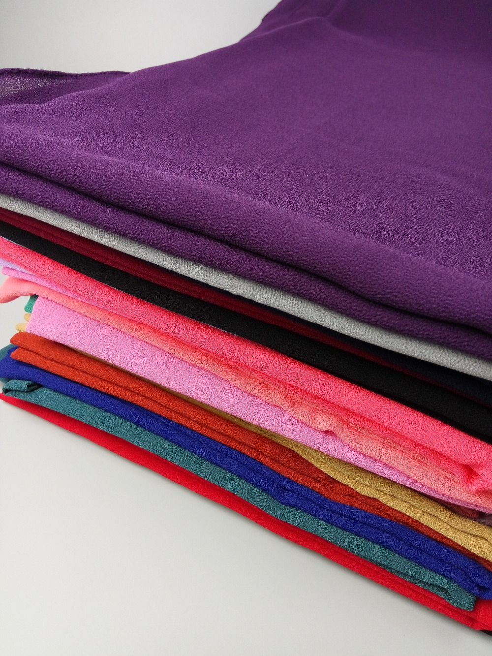 A 58 50pcs Big Size 18085cm Top Sale Plain Bubble Chiffon Hijab All New Beat Sporty Esp Cbs Iss Fusion Magenta Black Kendal Headband Shawl Summer Muslim Scarves Scarf Us249