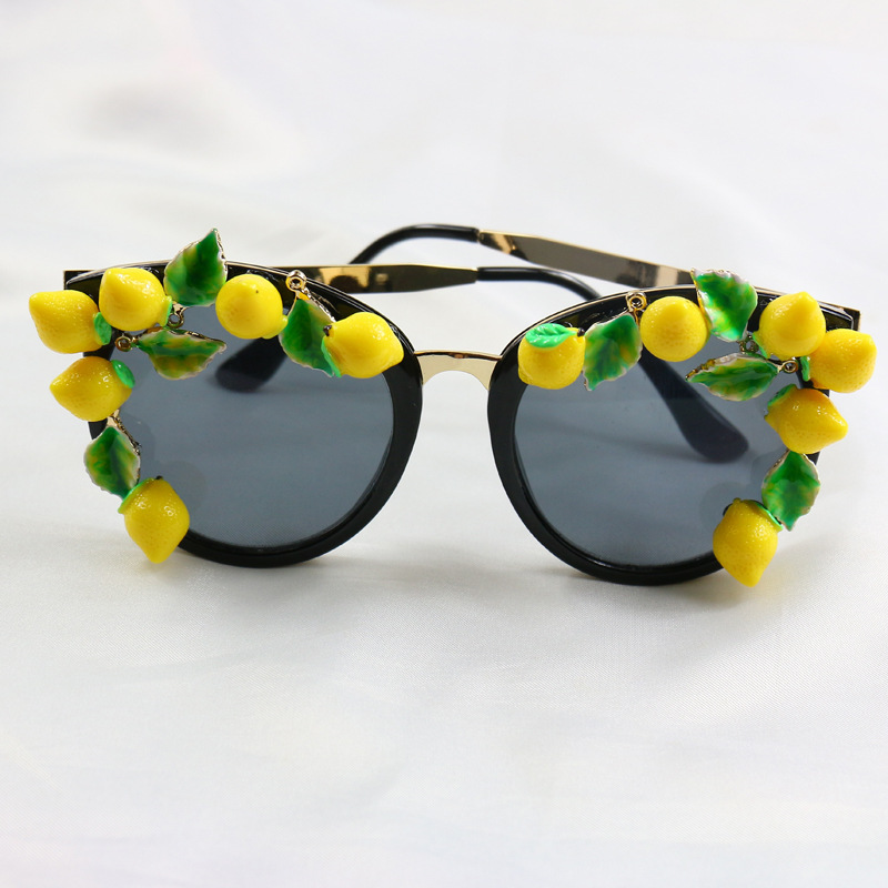 Fashion grass plum flower cat's eye sunglasses Black Round sunglasses baroque jewelry Women Summer holiday Accessories(China (Mainland))