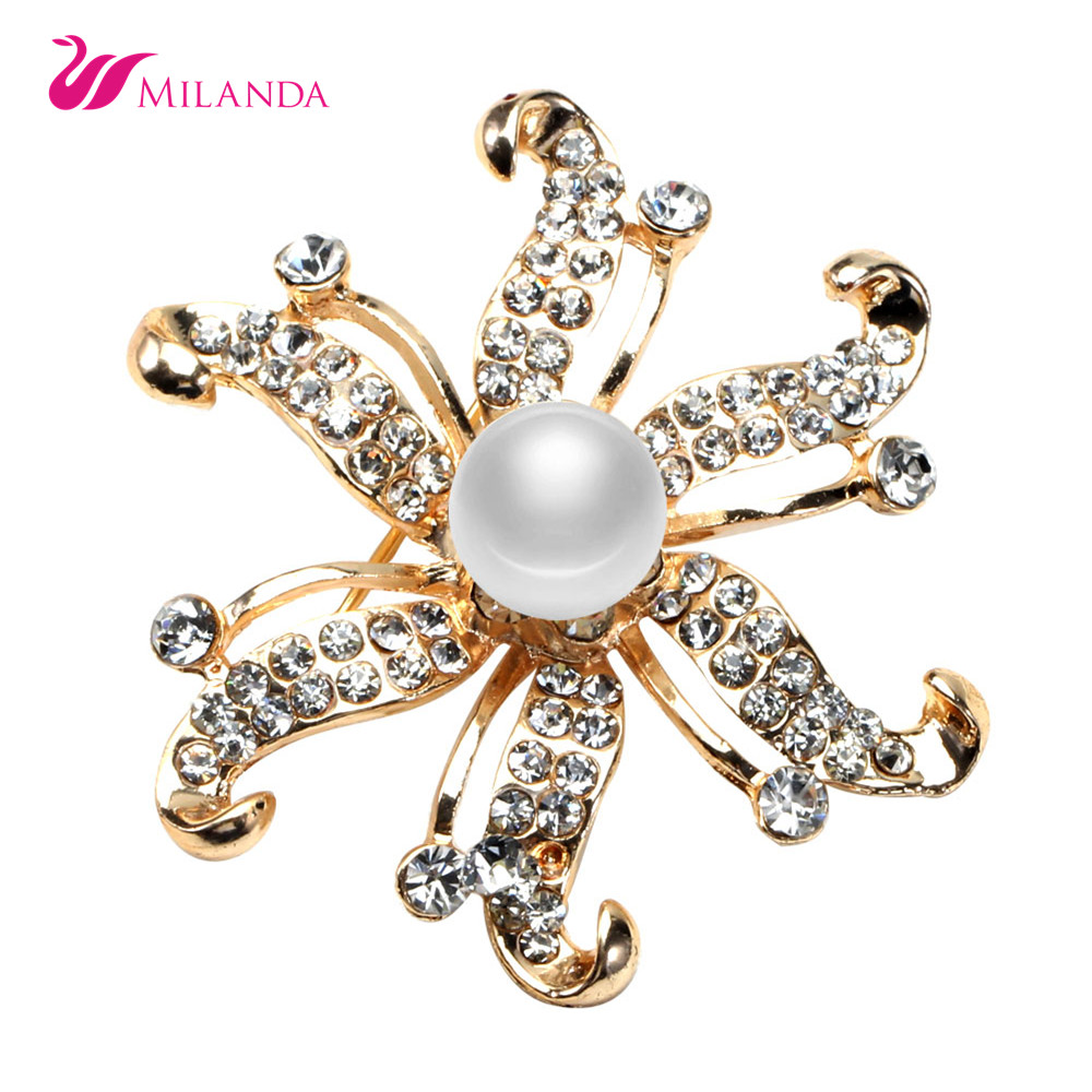 100% Genuine Freshwater Pearl Brooch Pin Trendy Pearl Brooch Design Lastest Design of Pearl Jewelry Women Jewelry Golden Brooch(China (Mainland))