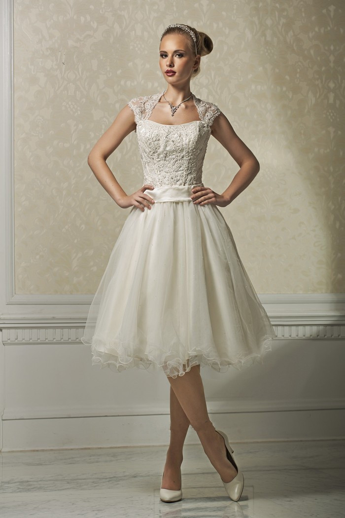 Ivory Lace Short Wedding Dress - Ocodea.com