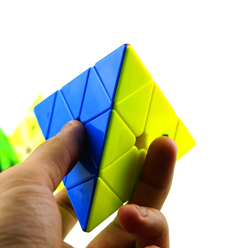 Magic Cube Magnetic Cube Puzzle New Year Magic Square Games Yuxin Hand Spinner Toys For Girls Strange Shape 60K493(China (Mainland))