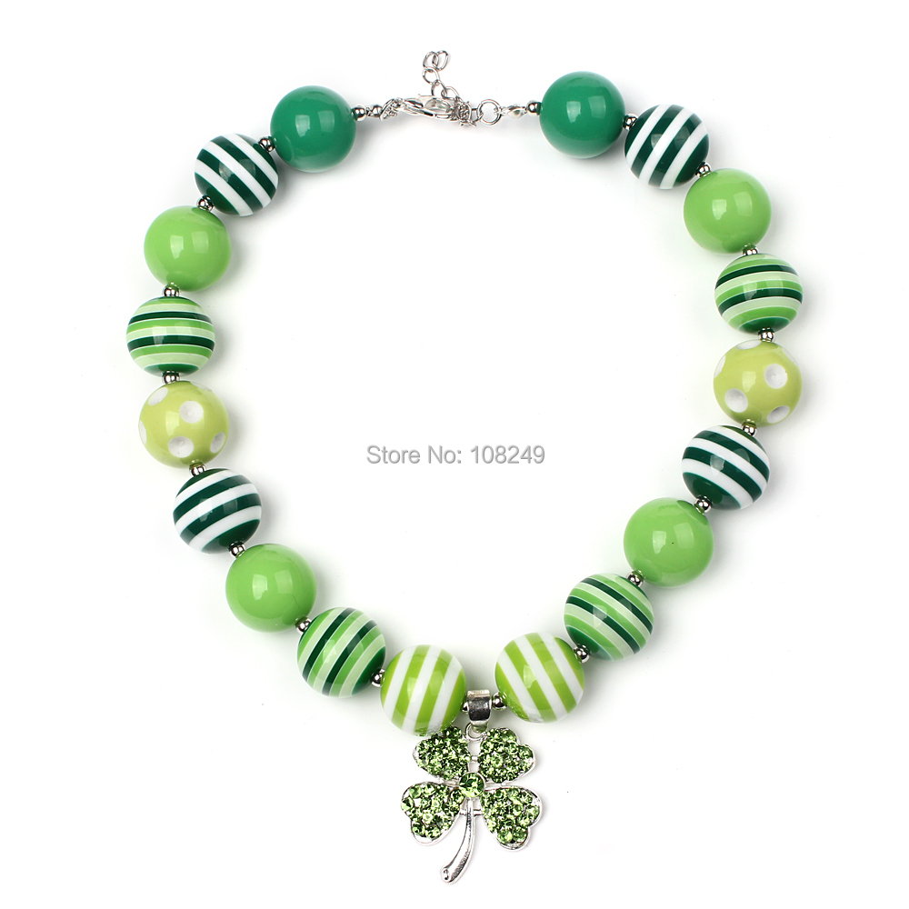 5pcs/lot New Baby Rhinestone Lucky Four Leaf Clover Pendant Necklace Green Chunky Beads Girls Big Bubblegum Necklace Kid Jewelry(China (Mainland))