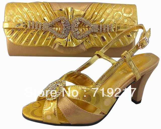 Free shipping Italy shoes and matching bag,Amazing gold color,latest style very good quality,Nigerian wedding shoes