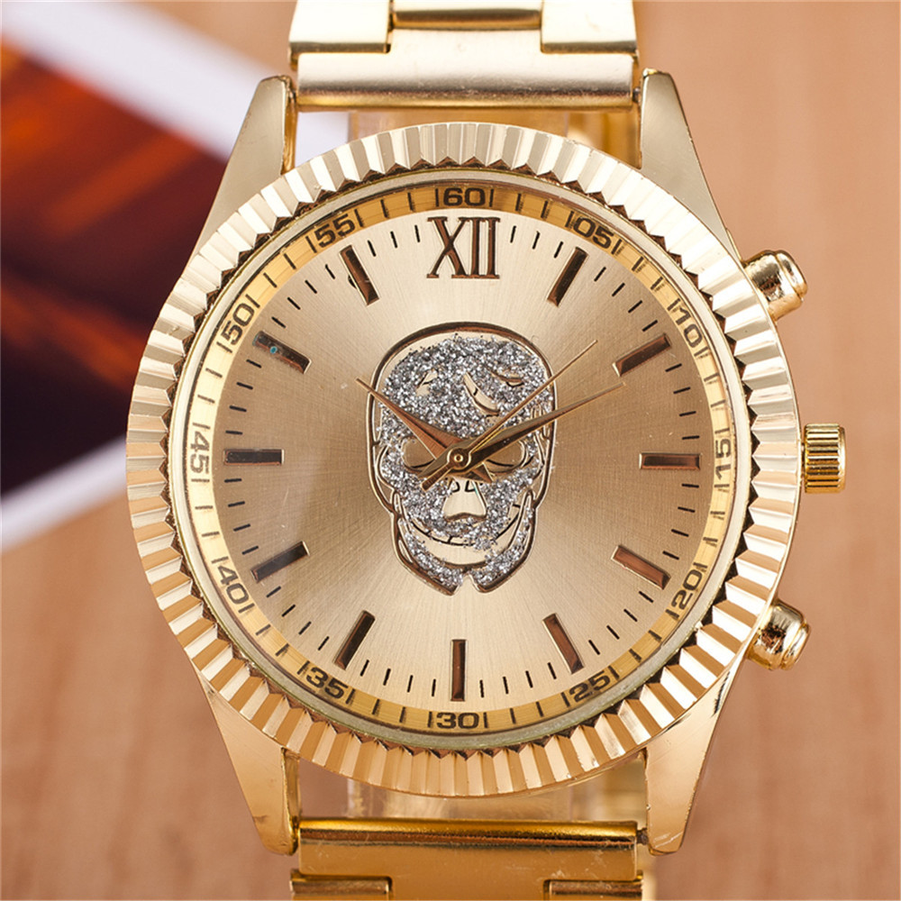 European and American men and women selling Swiss quartz watch fashion skull alloy steel watches(China (Mainland))